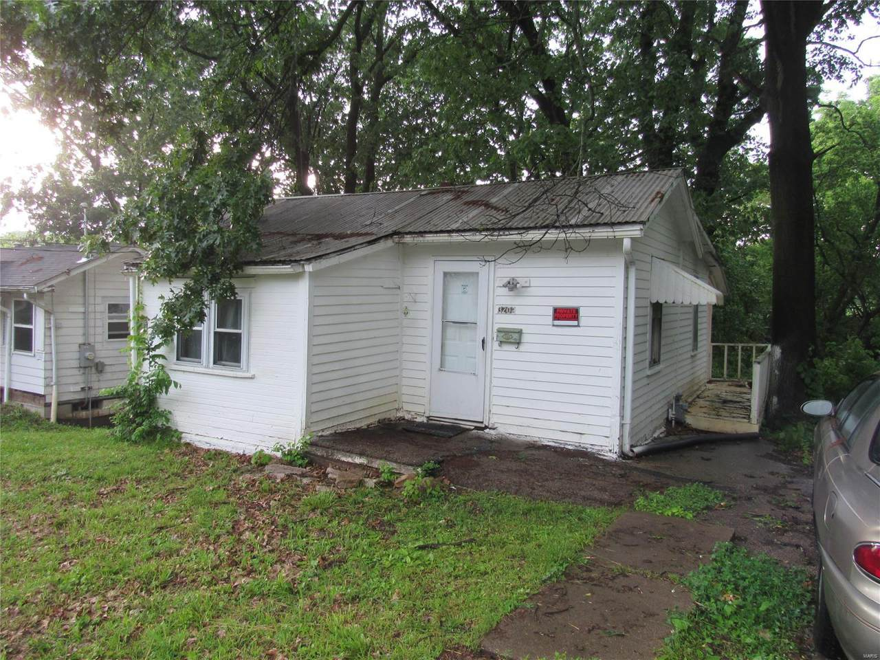 3202 Oakwood Avenue - Photo 1