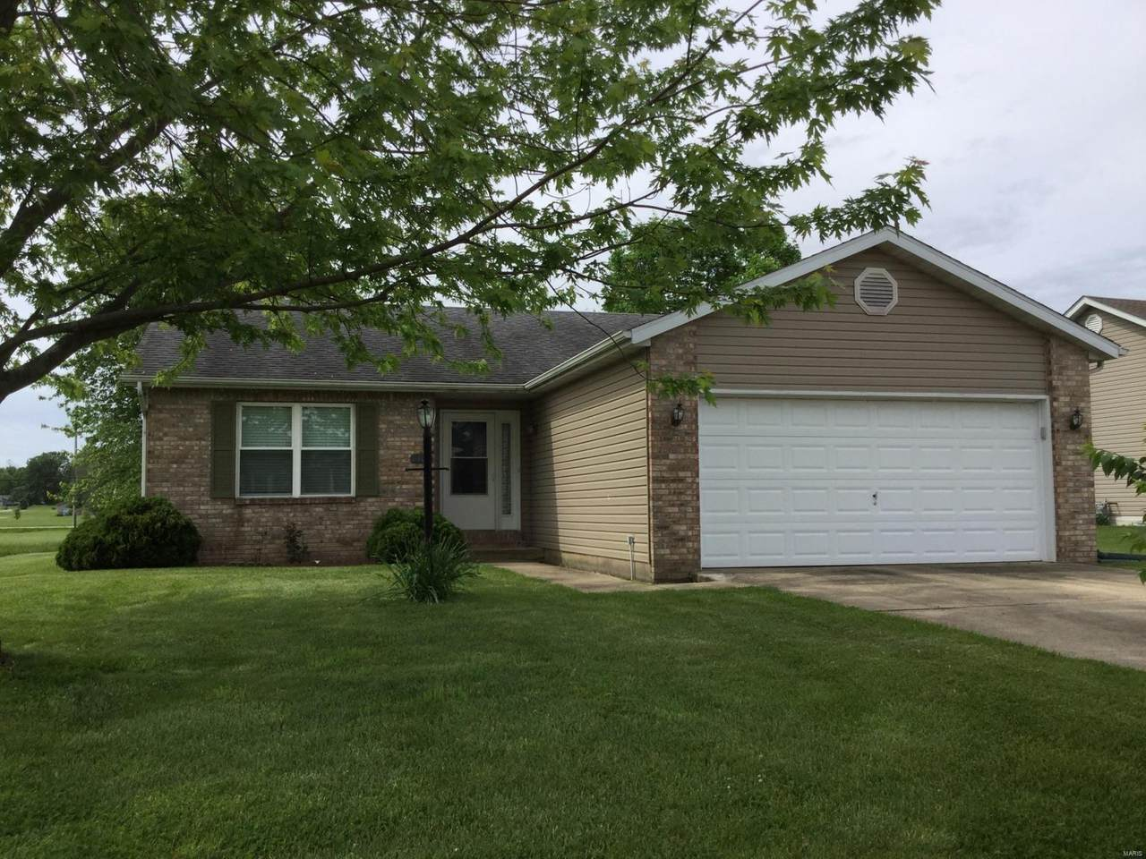 1402 Kweit Lane - Photo 1