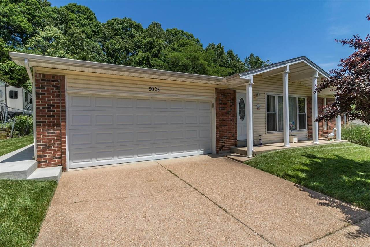 5025 Country Valley Drive - Photo 1