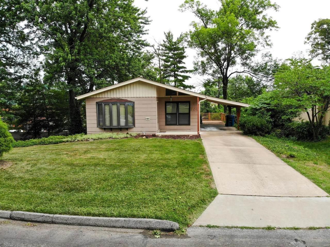301 Lakeside Drive - Photo 1