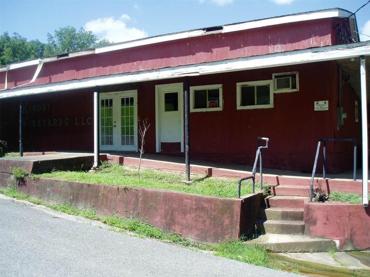 340 Davis Ave - Photo 1