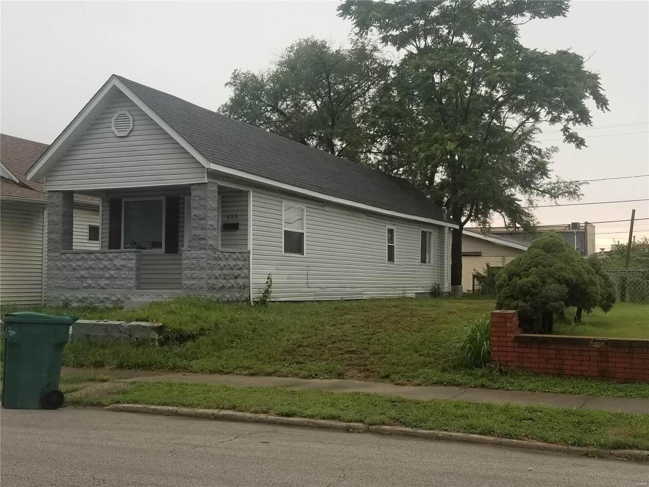 805 Iowa - Photo 1