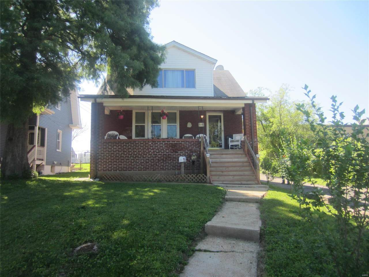 1110 Pardella Avenue - Photo 1