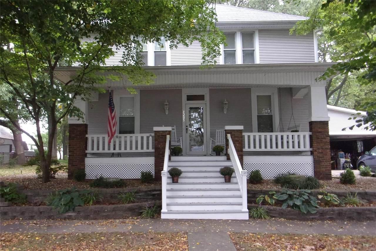 1205 13th Street - Photo 1