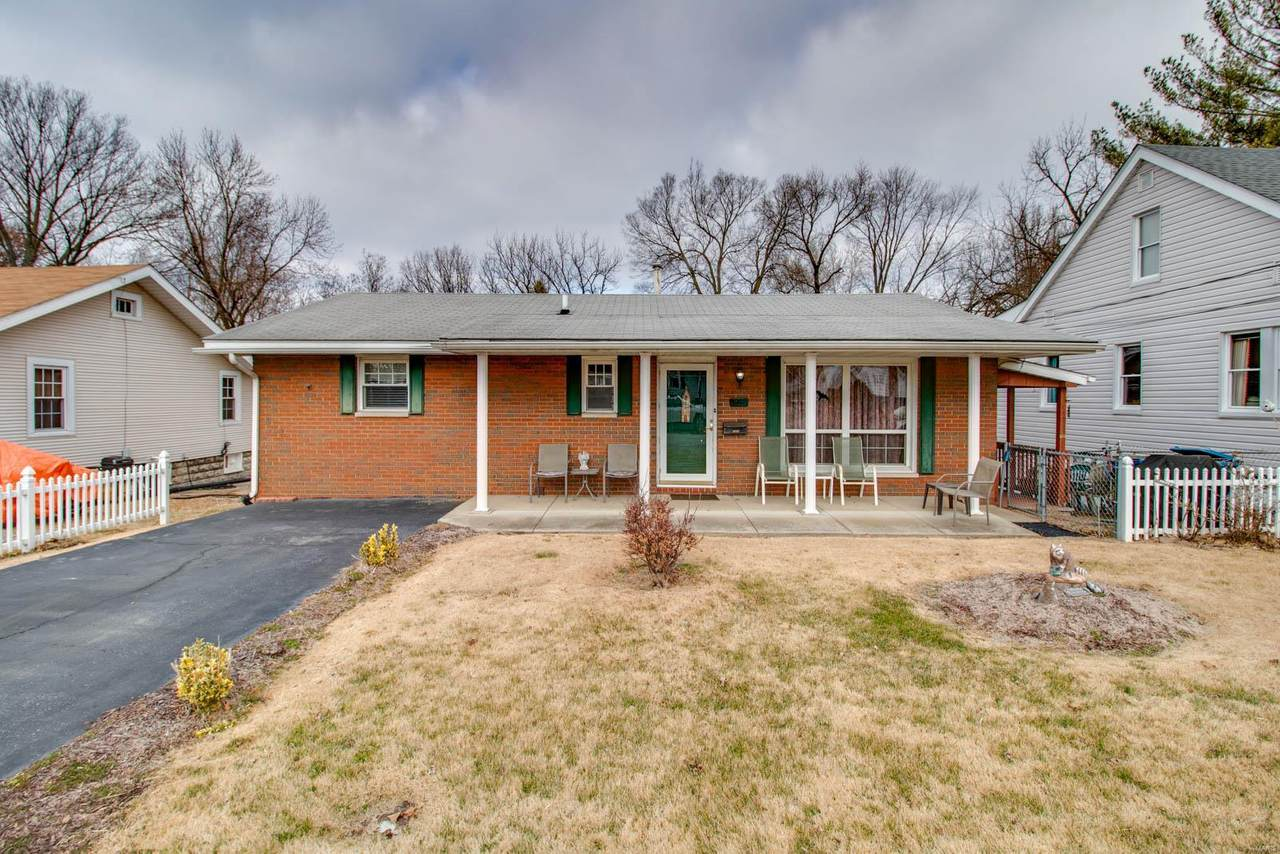 3302 Lincoln Street - Photo 1