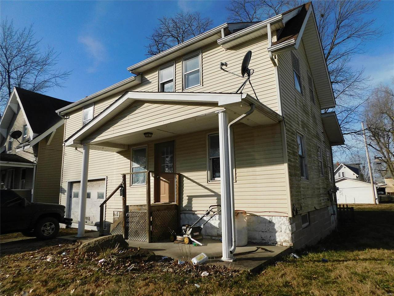 906 Johnson - Photo 1
