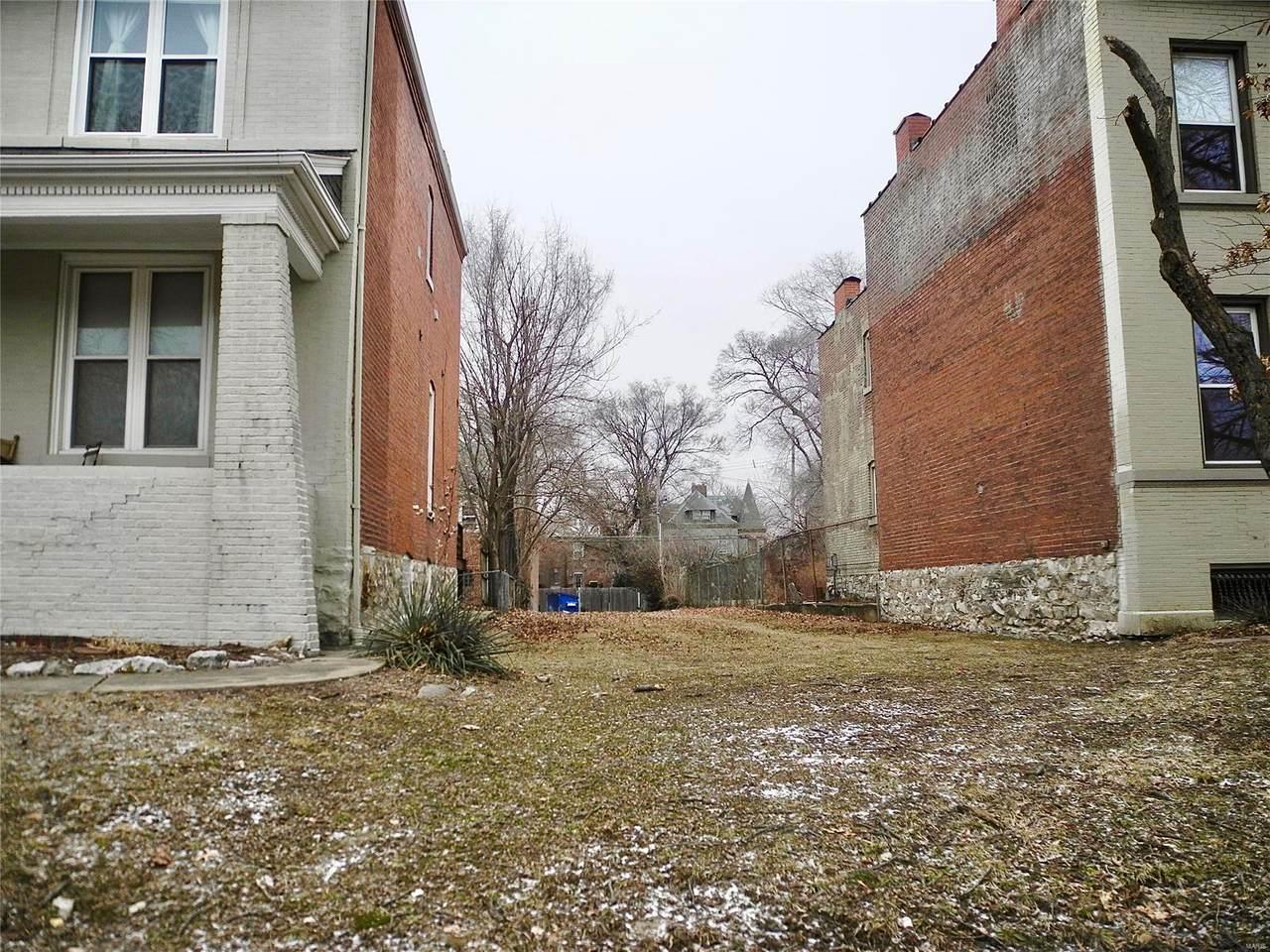 4157 Laclede Avenue - Photo 1