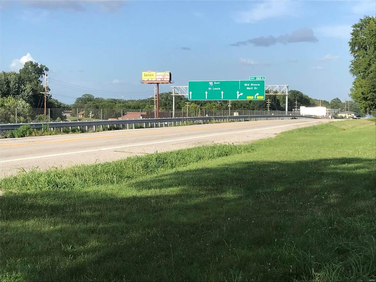7381 Veterans Memorial Parkway - Photo 1