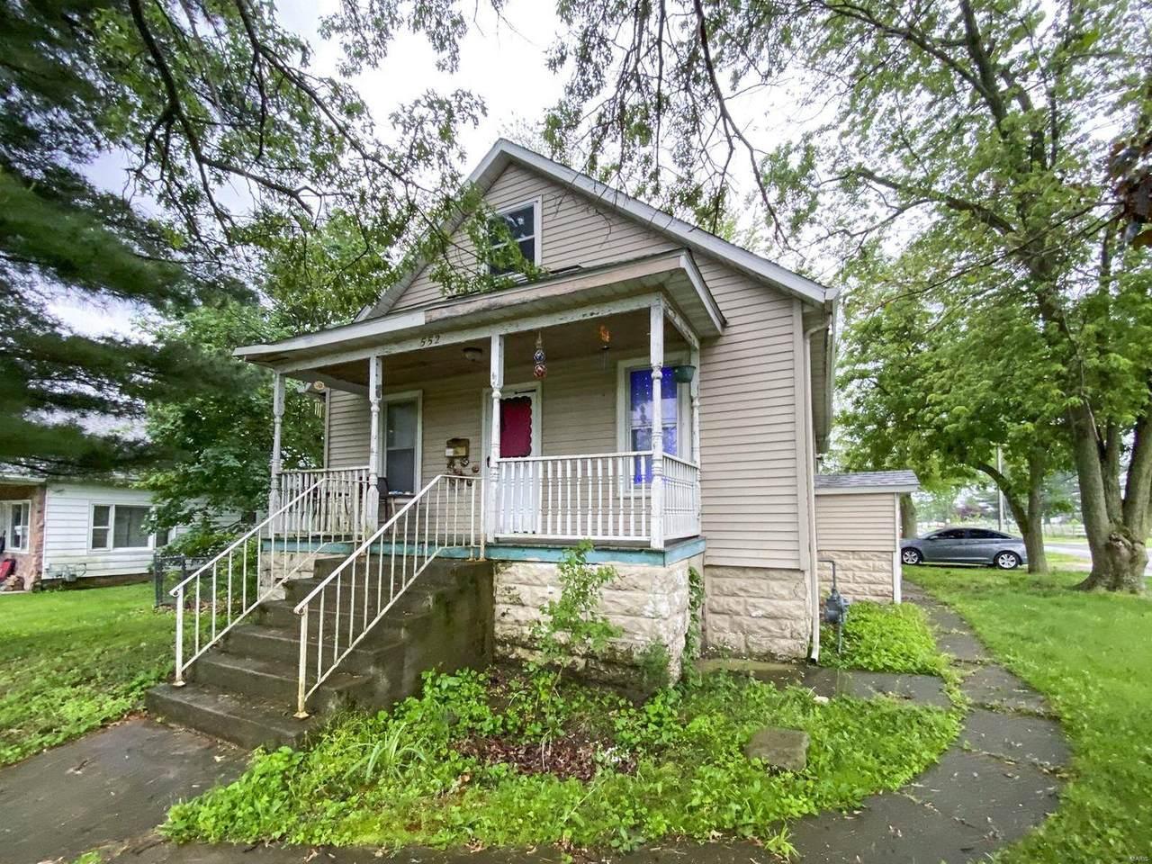 552 Dean Street - Photo 1