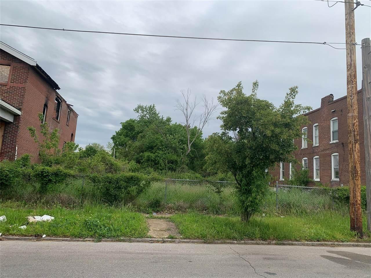 3927 Euclid Avenue - Photo 1
