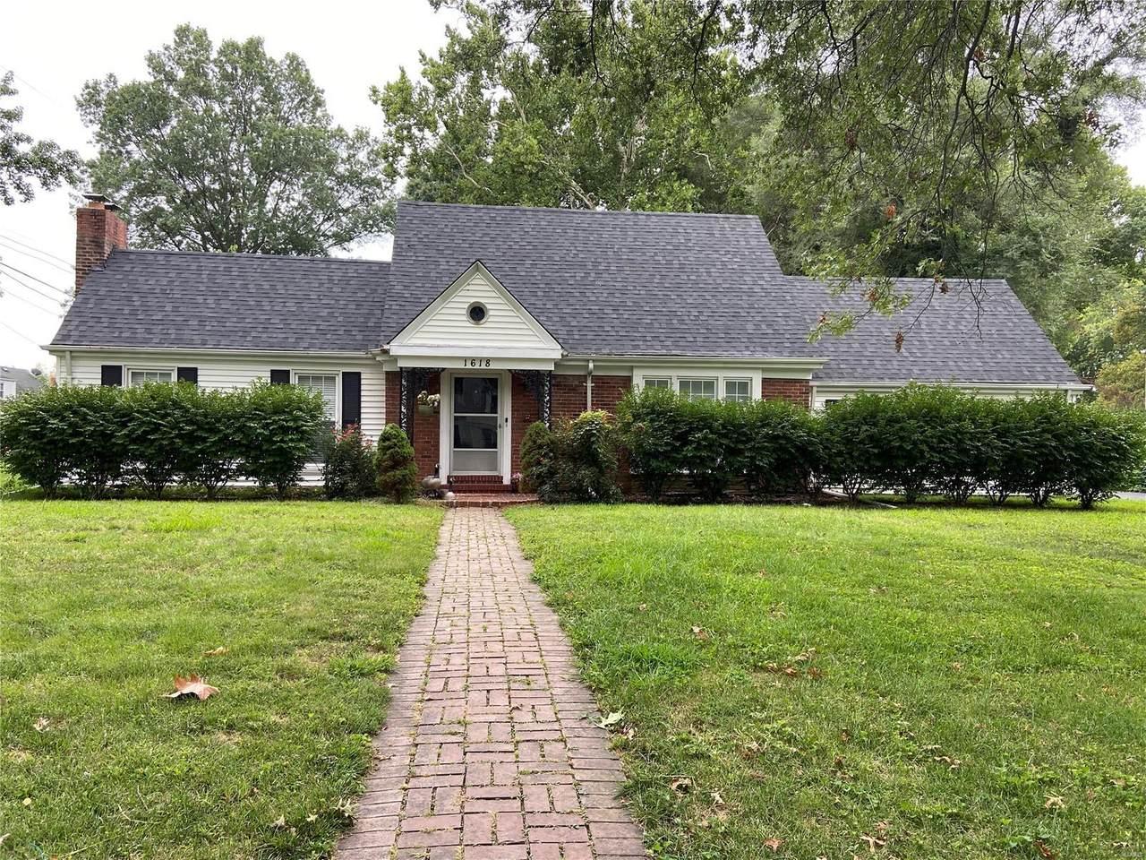 1618 Monticello Drive - Photo 1