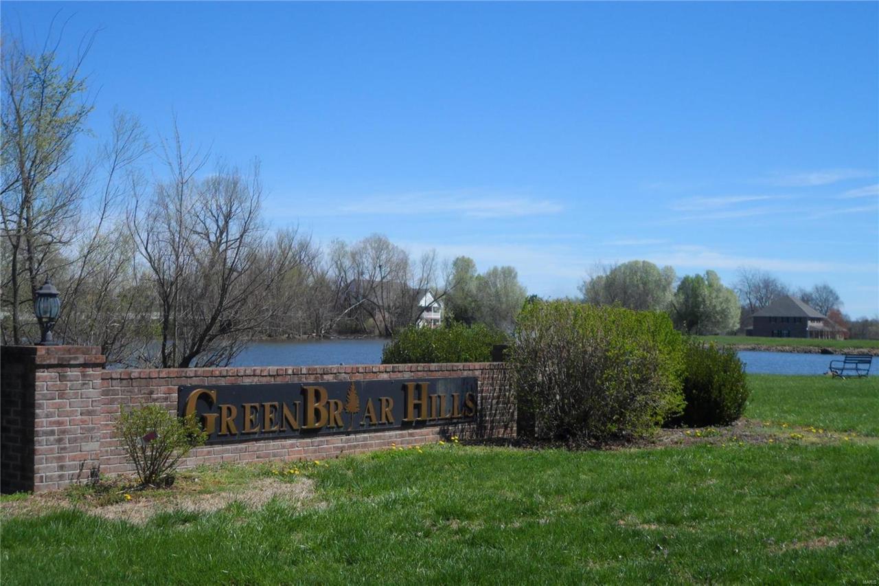 16 Green Trail Drive - Photo 1