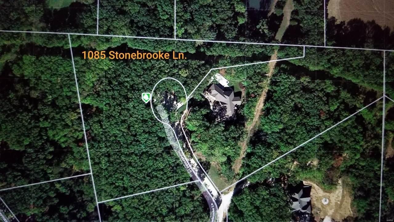 1085 Stonebrooke - Photo 1