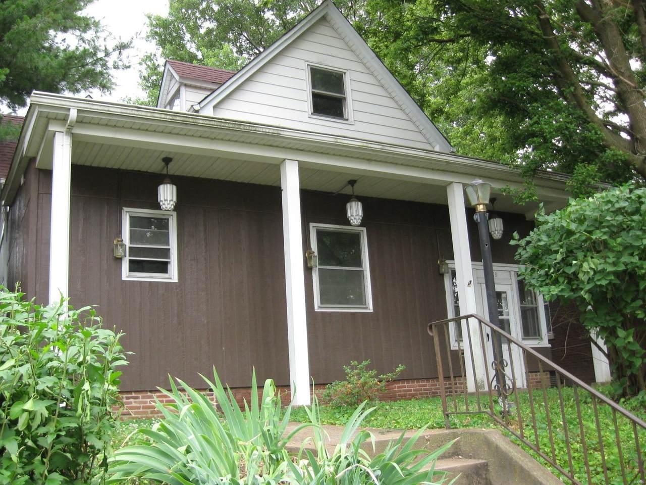 718 Saint Clair Avenue - Photo 1