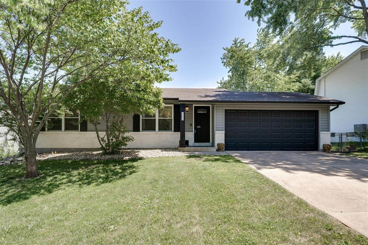 203 Westminster Drive - Photo 1