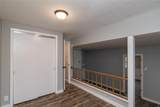 390 Airline - Photo 17