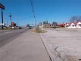 1011 Dallas Street - Photo 2