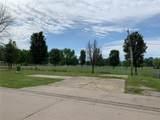 437 Parkside Drive - Photo 2