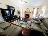 138 Colonial Drive - Photo 3
