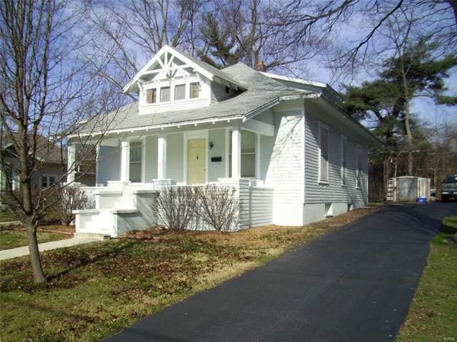 705 E College Avenue, Greenville, IL 62246 (#18005699) :: Clarity Street Realty
