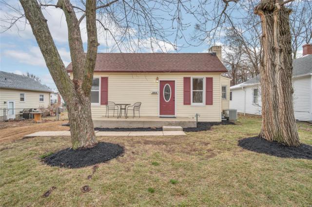 1914 N 5th Street, Saint Charles, MO 63301 (#18018331) :: PalmerHouse Properties LLC
