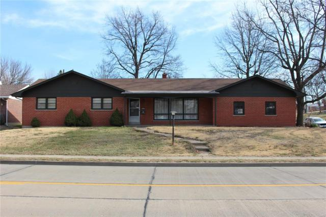 2900 Elm Street, Saint Charles, MO 63301 (#18020552) :: The Kathy Helbig Group