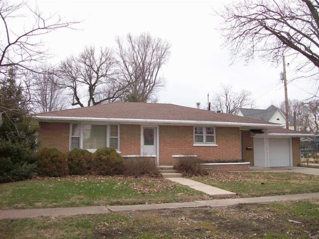 216 E Central Street, NOKOMIS, IL 62075 (#18022431) :: Fusion Realty, LLC