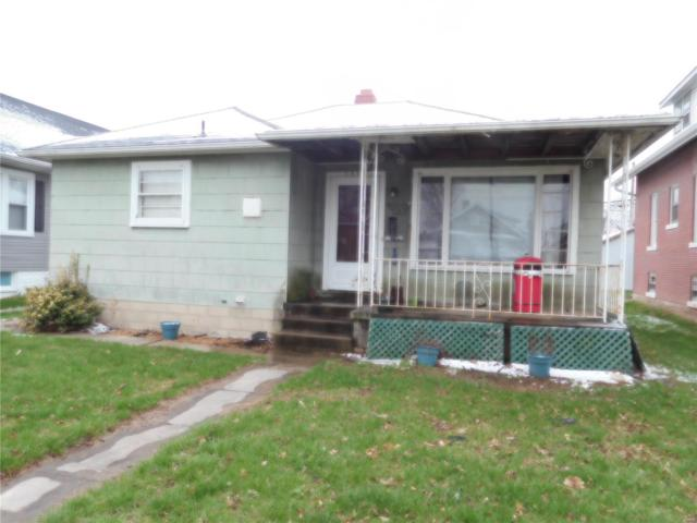 1504 Broadway, Highland, IL 62249 (#18025177) :: Clarity Street Realty