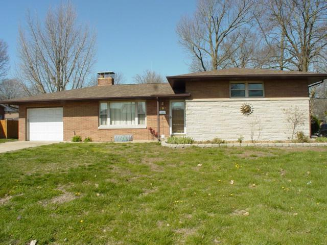 501 S Smiley Street, O'Fallon, IL 62269 (#18028575) :: Sue Martin Team