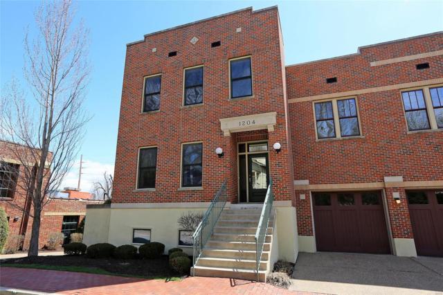 1204 South Main Street, Saint Charles, MO 63301 (#18028768) :: Clarity Street Realty