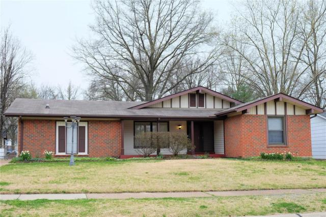 2210 Wedgwood Dr. West, Florissant, MO 63033 (#18032705) :: Clarity Street Realty