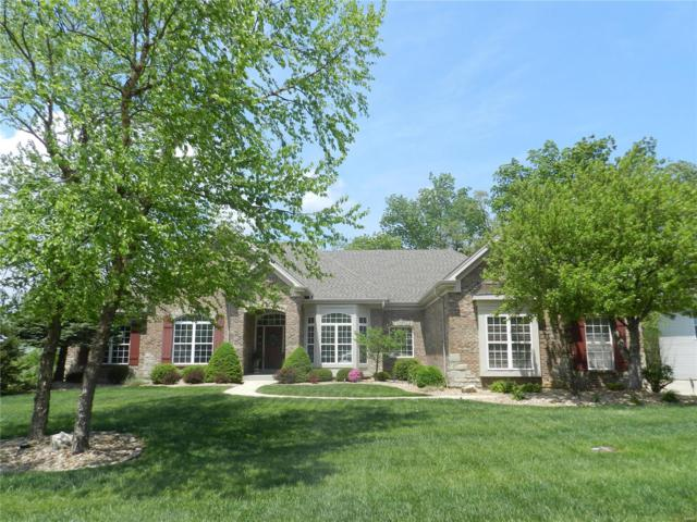 532 Forest Crst Court, Lake St Louis, MO 63367 (#18039627) :: The Kathy Helbig Group