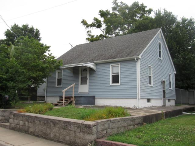 104 W 3rd Street, Hartford, IL 62048 (#18039950) :: Parson Realty Group