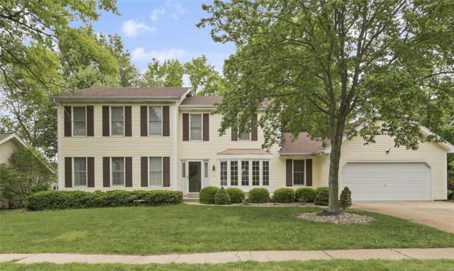 16011 Meadow Oak, Chesterfield, MO 63017 (#18040489) :: The Kathy Helbig Group