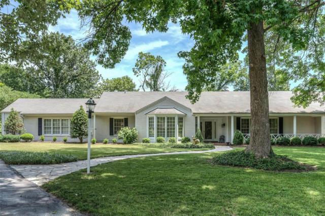 18 Ladue Manor, Ladue, MO 63124 (#18045536) :: Clarity Street Realty