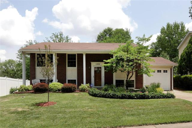 1356 Glenstone Drive, Maryland Heights, MO 63043 (#18048040) :: Sue Martin Team