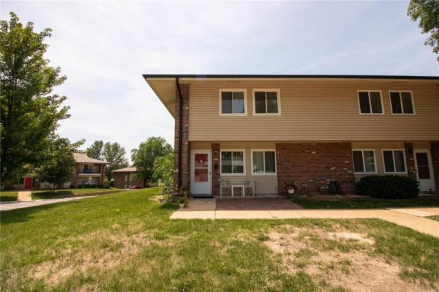 9030 Villaridge Court, St Louis, MO 63123 (#18048701) :: Sue Martin Team