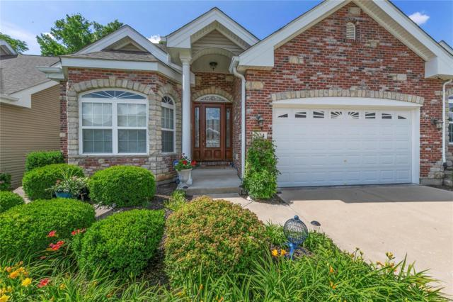 204 Woodland Place Court, Saint Charles, MO 63303 (#18050157) :: The Kathy Helbig Group