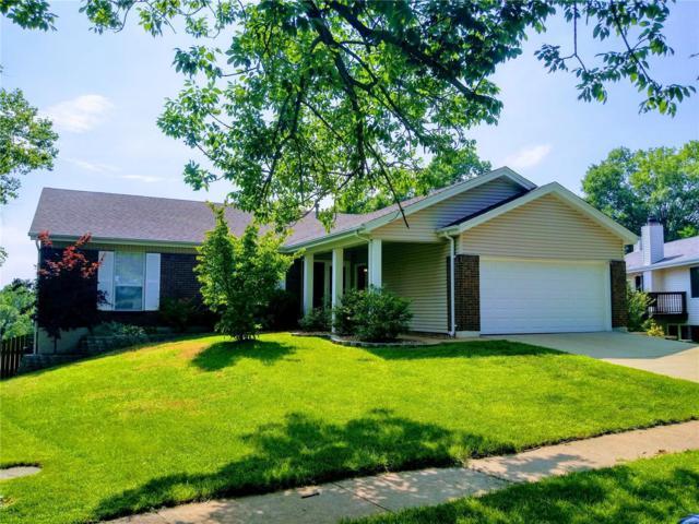 7207 Tall Oak Court, Oakville, MO 63129 (#18052245) :: PalmerHouse Properties LLC
