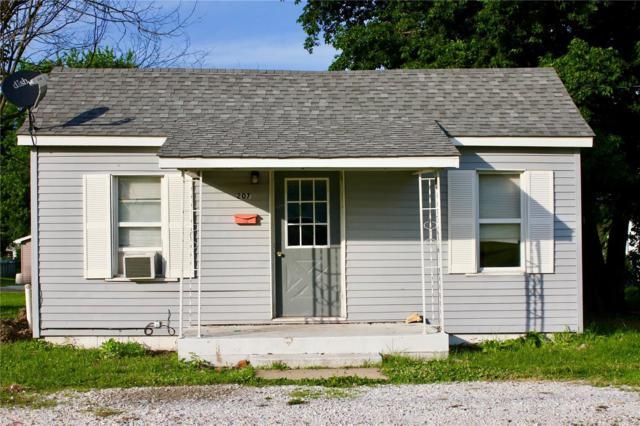 207 S Mcgill Street, Jerseyville, IL 62052 (#18052771) :: Fusion Realty, LLC
