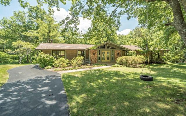 14611 Laketrails Court, Chesterfield, MO 63017 (#18057497) :: The Kathy Helbig Group