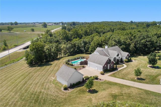 6 Stone Pointe Court, Hawk Point, MO 63349 (#18058927) :: Holden Realty Group - RE/MAX Preferred
