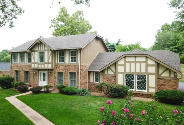 133 Forest Club Drive, Chesterfield, MO 63005 (#18066311) :: The Becky O'Neill Power Home Selling Team