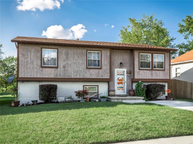 307 E Oak, GILLESPIE, IL 62033 (#18076185) :: PalmerHouse Properties LLC
