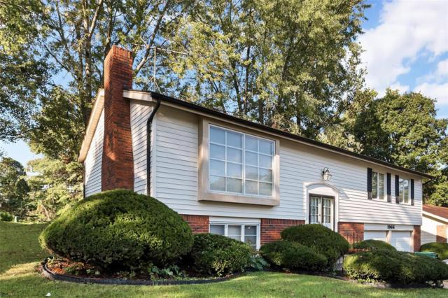 1966 Cathedral Hill Drive, St Louis, MO 63138 (#18081439) :: Walker Real Estate Team
