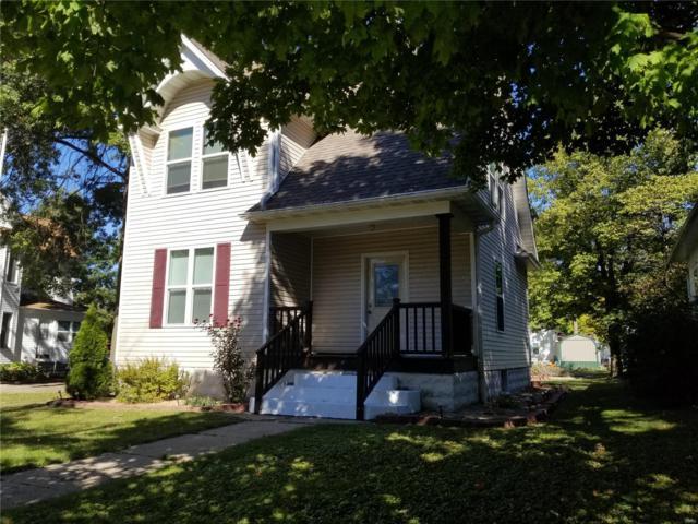 215 S Oak Street, NOKOMIS, IL 62075 (#18083912) :: St. Louis Finest Homes Realty Group