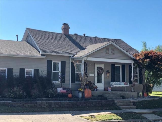 352 W Adams Street, NASHVILLE, IL 62263 (#18084445) :: Walker Real Estate Team