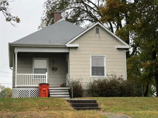 1117 W Johnson, Vandalia, IL 62471 (#18086763) :: St. Louis Finest Homes Realty Group