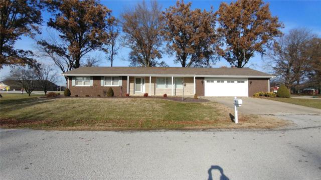 1111 Monroe Street, CARLYLE, IL 62231 (#18093731) :: Walker Real Estate Team