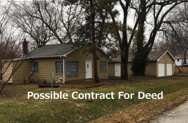 1102 Adams Avenue, STAUNTON, IL 62088 (#19000023) :: Walker Real Estate Team